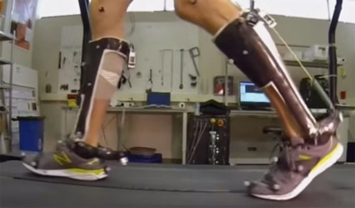 People With Reduced Mobility Can Use This Revolutionary Exoskeleton To Walk-7