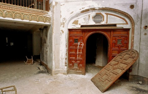 12 Most Creepy Abandoned Hotels For Lovers Of Abandoned Places-10