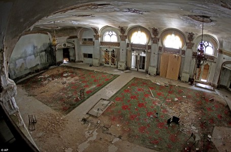 12 Most Creepy Abandoned Hotels For Lovers Of Abandoned Places-11