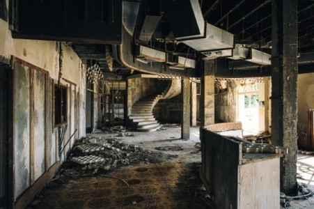 12 Most Creepy Abandoned Hotels For Lovers Of Abandoned Places-19
