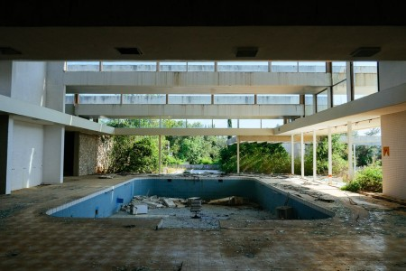 12 Most Creepy Abandoned Hotels For Lovers Of Abandoned Places-28