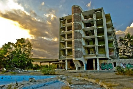 12 Most Creepy Abandoned Hotels For Lovers Of Abandoned Places-30