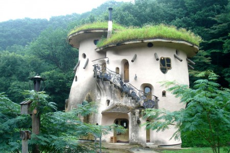 16 Mystical But Real Houses Where You'd Love To Live-15