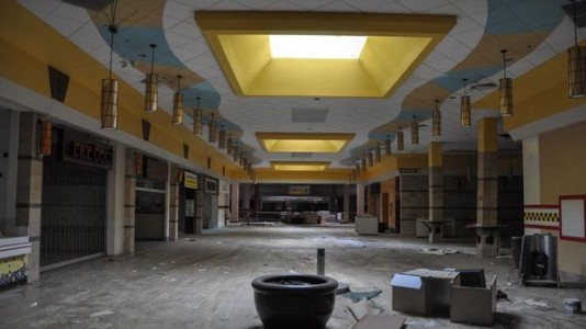 Top 9 Most Surreal Abandoned American Shopping Centers-1