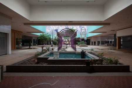 Woodville Mall - Northwood, Ohio-Top 9 Most Surreal Abandoned American Shopping Centers-20