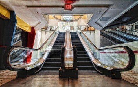 Crestwood Mall - St. Louis, Missouri -Top 9 Most Surreal Abandoned American Shopping Centers-23