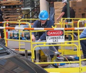 25 Examples Of Worst Engineering Safety Practices-21