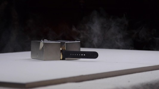 See What Happens When $10,000 Apple Watch Is Smashed By Powerful Magnets?-5