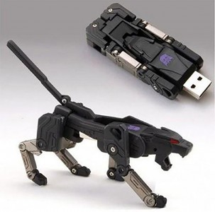 15 Most Surprising USB Designs From The Geek World-3