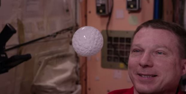 See What Happens When An Effervescent Tablet Is Dissolved In Water Bubble In Space (Video)-