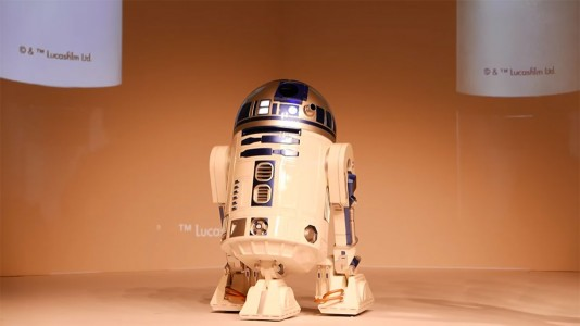 This Amazing R2-D2 Will Come To You And Provide Fresh Drinks-5