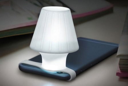 This Amazing Silicone Strap Converts Smartphone Flash To Bedside Lamp-1