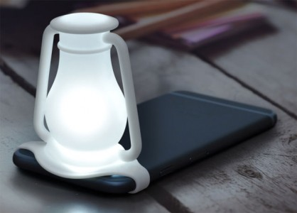 This Amazing Silicone Strap Converts Smartphone Flash To Bedside Lamp-2