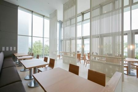 This New Japanese hotel Has No Human Staff And No Room Keys-5