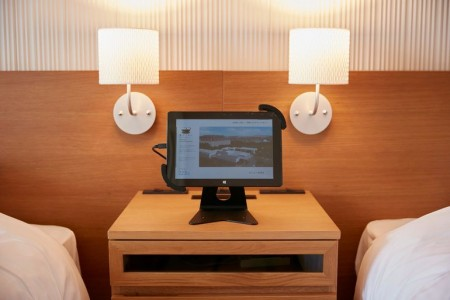 This New Japanese hotel Has No Human Staff And No Room Keys-7