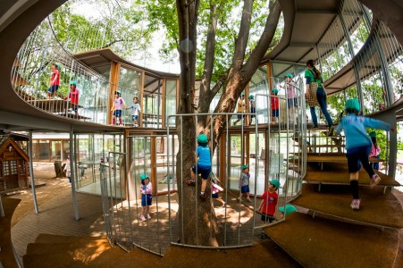 12 Green Tree Houses Built Around The Trees Without Cutting Them-3