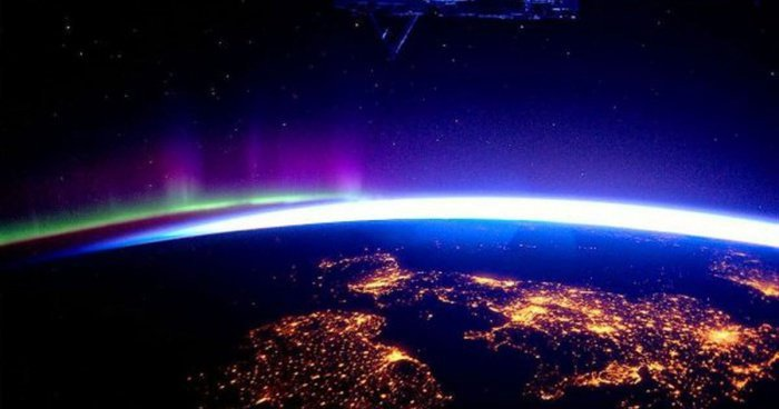 18 Mindblowing Snaps Of The Planet Earth From Space-1