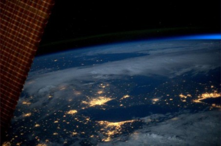 18 Mindblowing Snaps Of The Planet Earth From Space-8