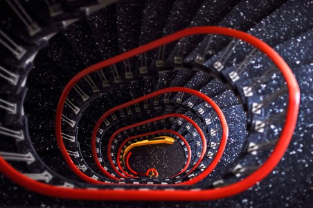 30 Absolutely Mesmerizing Spiral Staircase Designs From Around The World-17