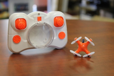 Aerius: Axis Designs World's Tiniest Quadcopter Size Of A Quarter-3