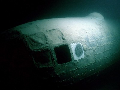 Amazing Pictures of World War 2 Bomber At Bottom Of Nevada Lake-8