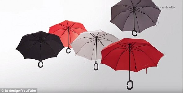 An Elegant Umbrella With C-shaped handle To Keep You Dry While Texting-2