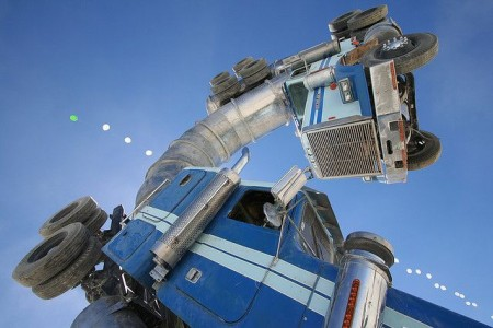 Big Rig Jig: This Monsterous Sculpture Is Made From Two Old Tanker Trucks-6