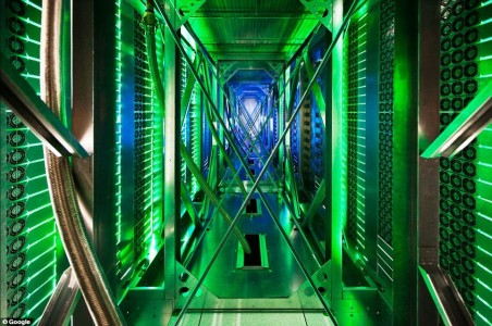 Google Gives A Rare Glimpse Into Its Gigantic Network Infrasture Used To Provide Its Various Services-3