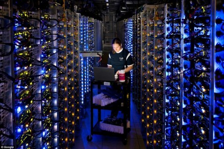 Google Gives A Rare Glimpse Into Its Gigantic Network Infrasture Used To Provide Its Various Services-6