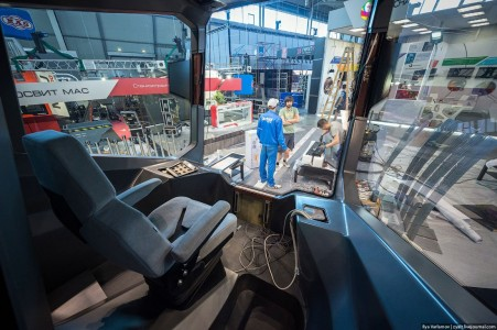 Russian One: The New High-Tech And Luxurious Russian Tram In Photos-15
