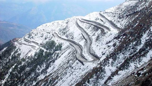 World's 5 Most Dangerous Roads For The Seekers Of Adventure -2