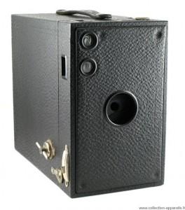 Kodak Brownie 2C number-30 Super Cool Vintage Cameras would Make You Regret Not Being Born Earlier -16