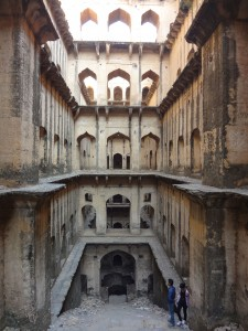 Admire These 2000 Year Old Somptous Buildings In India Destined To Disappear-14
