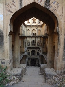 Admire These 2000 Year Old Somptous Buildings In India Destined To Disappear-16