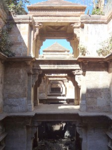 Admire These 2000 Year Old Somptous Buildings In India Destined To Disappear-22