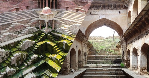 Admire These 2000 Year Old Somptous Buildings In India Destined To Disappear-3