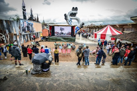 Dismaland- A Disneyland Like Park That Mocks The Decadence Of Our Society-7