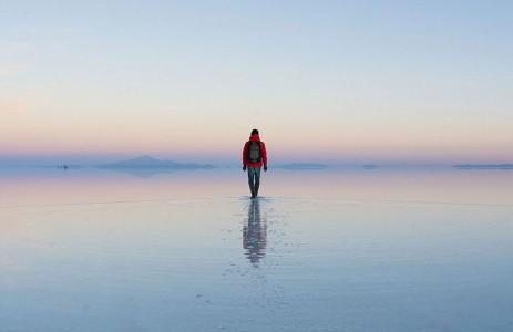 The Incredible Beauty of Salt Desert Transformed Into Gigantic Mirror-