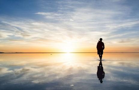 The Incredible Beauty of Salt Desert Transformed Into Gigantic Mirror-20