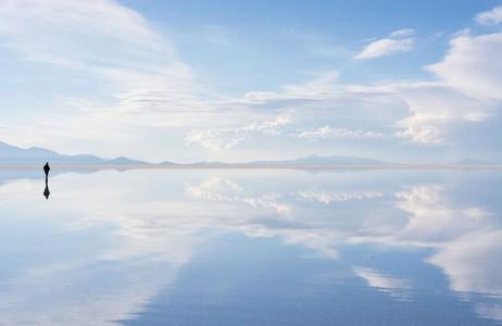 The Incredible Beauty of Salt Desert Transformed Into Gigantic Mirror-21
