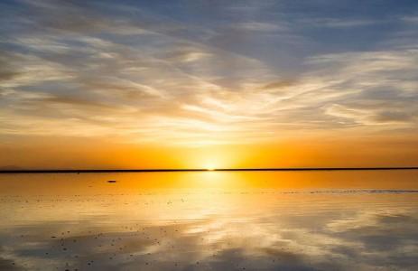 The Incredible Beauty of Salt Desert Transformed Into Gigantic Mirror-23