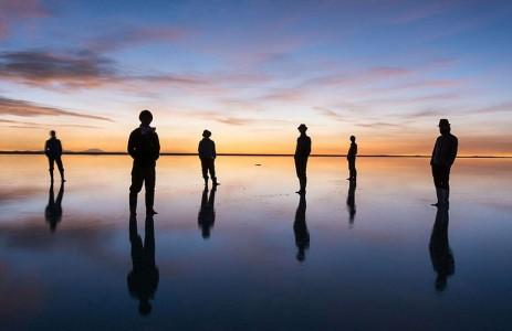 The Incredible Beauty of Salt Desert Transformed Into Gigantic Mirror-4
