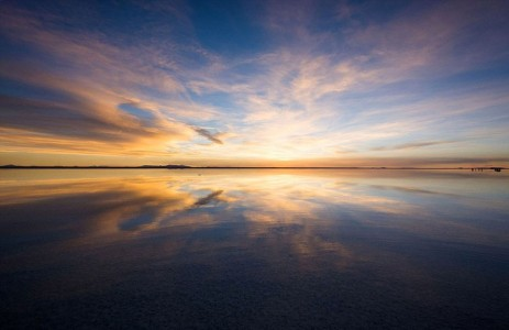The Incredible Beauty of Salt Desert Transformed Into Gigantic Mirror-7