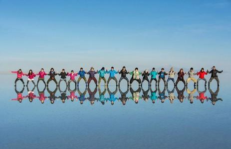 The Incredible Beauty of Salt Desert Transformed Into Gigantic Mirror-9