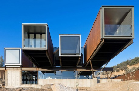 These Gorgeous Low Cost Eco-Homes Are Built Using Containers-12