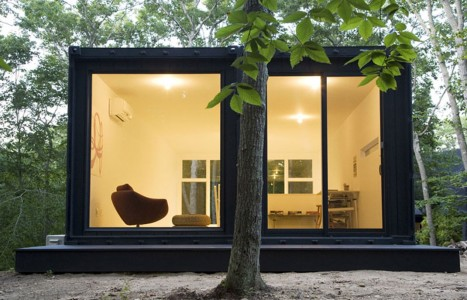 Designed for artist Maziar Behrooz as a workshop, the studio contains 2 containers and is in the state of New York in the United States: