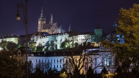 Wander The Colorful Streets Of Prague And Admire Its Wonderful Architecture-38