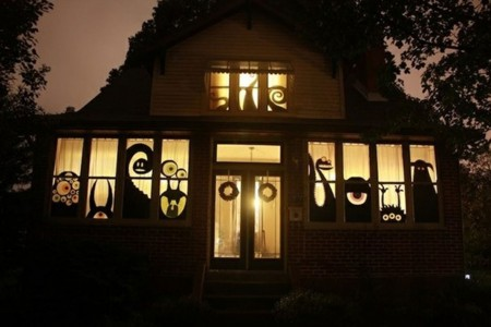 These Halloween Decorations Convert Homes Into Real Horror Meuseums-10