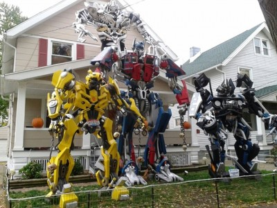 These Halloween Decorations Convert Homes Into Real Horror Meuseums-3