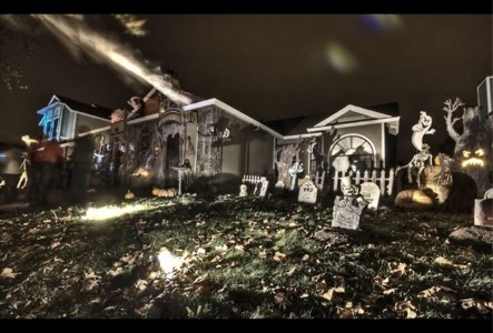 These Halloween Decorations Convert Homes Into Real Horror Meuseums-38